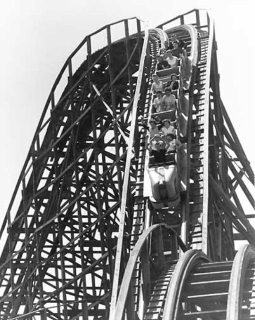 The Comet roller coaster at Forest Park Highlands